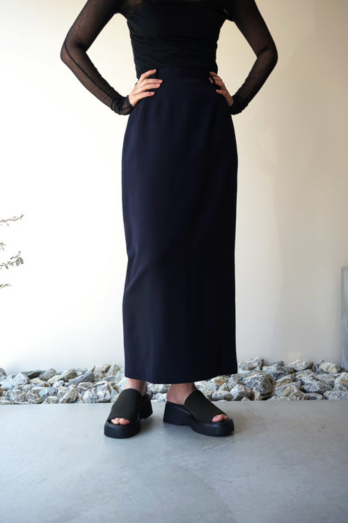 Worsted Wool Back Slit Skirt
